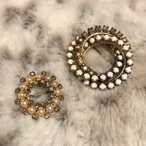 Set of two vintage costume rhinestone brooches